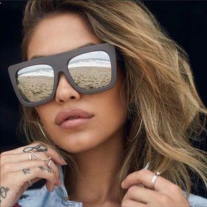 ⭐️ NWT Quay Cafe Racer Sunglasses